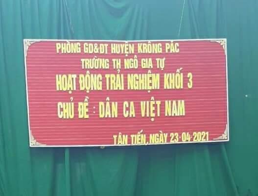 SHCM tháng 4 – TCM 3 HĐTN chủ đề: Dân ca Việt Nam